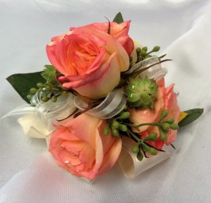 Rose & Succulent Pin-on Corsage