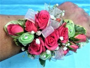 Spray Roses & Ribbon Roses