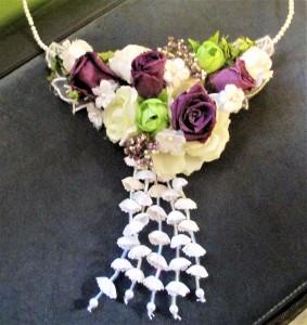 Vintage Look Floral Necklace